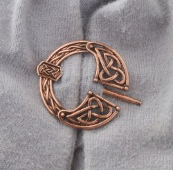 Pennanular Celtic Brooch