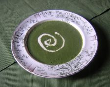 Nettle soup used to be a very popular folk dish in Ireland.