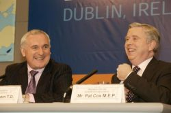 Ireland's finest hour: Day of Welcomes and Enlargement Ceremony in Dublin, 1 May 2004 - Taoiseach Bertie Ahern, President of the European Council and Pat Cox, President of the European Parliament. Photo © Maxwell's/EU Pres Pool