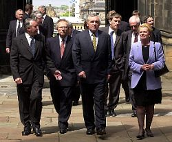 Irish Prime Minister Bertie Ahern arrived at The Mound accompanied by Scottish First Minister Henry McLeish and Secretary of State for Scotland Helen Liddell. The Taoiseach was greeted on arrival by the Parliament's Presiding Officer Sir David Steel - Photograph © 2005 Scottish Parliamentary Corporate Body